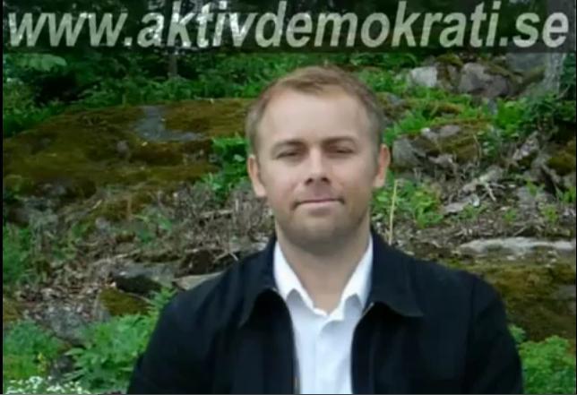Bild av Martin under texten www.aktivdemokrati.se