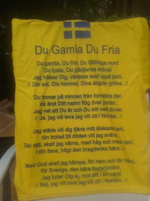 Bild på nationalsången tryckt på en handduk