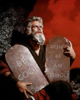 Bild på Moses med två tavlor och två budord: 1. var cool och 2. var inte en skitstövel