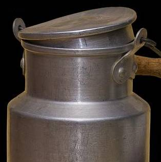 Bild på aluminiumbehållare