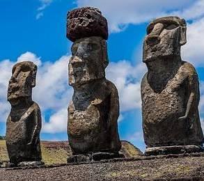 Bild på Moai-statyer från Påskön